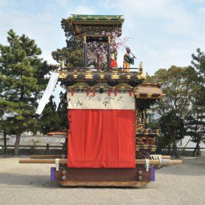 南山八幡車(みなみやま はちまんぐるま) 左横