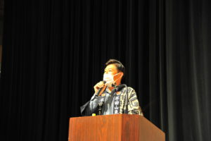 司会を務める 事務局長補佐 近藤勝美